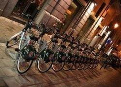 Париж назло вандалам расширяет сеть велопроката