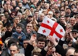 100 тысяч грузин гонят Саакашвили