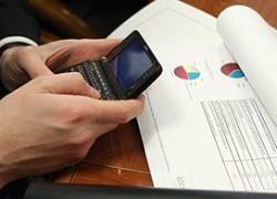 Правительство России признало, что кризис будет долгим