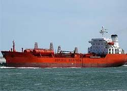 Пираты отпустили танкер с россиянином на борту