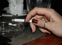 В Болгарии запретили курение в общественных местах