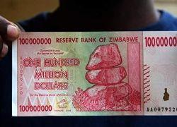 Власти Зимбабве запретили оборот национальной валюты