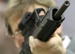 Неизвестный открыл стрельбу во Франции, трое ранены