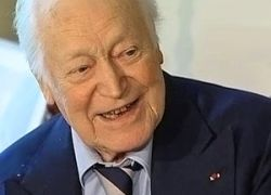Во Франции умер знаменитый писатель Морис Дрюон