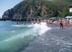 В Крыму бесплатных пляжей становится все меньше