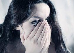 Кто делает женщин несчастными