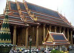 В освобожденном дворце Бангкока спрятаны десятки трупов