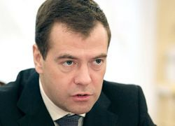Медведев разберется с долгами россиян