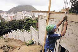 В Буэнос-Айресе бедных и богатых разделят стеной