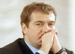 Медведев: протест в режиме цветных революций неприемлем