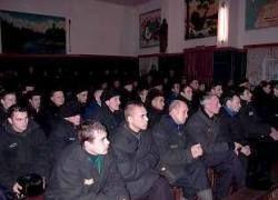 В России все меньше преступников, но больше заключенных