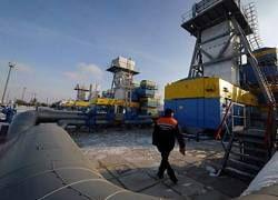 Транзит газа в Европу через Украину упал вдвое