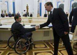 Медведев поможет инвалидам