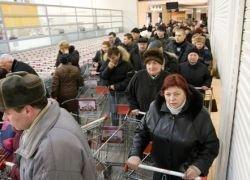 Толпы в магазинах привлекают потенциальных покупателей