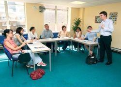 В школах Португалии будут учиться до 18 лет
