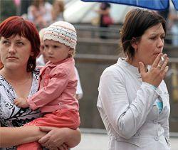 Россиянам запретят курить на улице