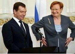 Медведев покорил финнов непохожестью на Путина