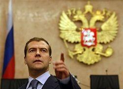 Противники Медведева его недооценили?
