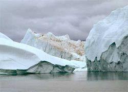 Антарктический ледник начал разваливаться на куски