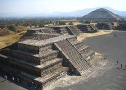 В Мексике закрыты музеи и кафе