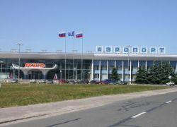 В Калининграде пассажиров не выпускают из самолета