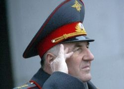 Рунет осуждает Медведева за отставку Пронина