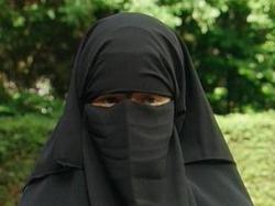 Араб взял 8-летнюю жену в счет долга