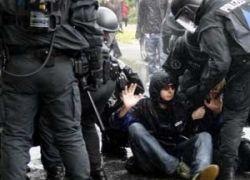 В Берлине демонстранты покалечили 30 полицейских