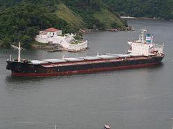 Захваченное пиратами судно с украинцами - греческое