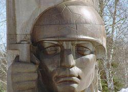 Украина объявила войну советским памятникам