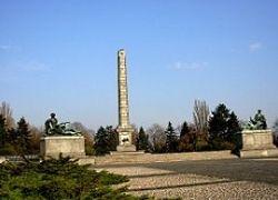 В Варшаве осквернено кладбище советских воинов