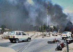 В Пакистане террорист взорвал КПП