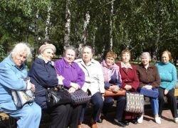 Пожилым людям полезно чаще бывать на солнце