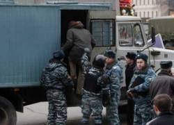 В Крыму пьяный милиционер опрокинул автозак с зеками