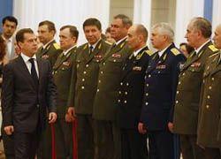 Знает ли Медведев о реальных угрозах для России