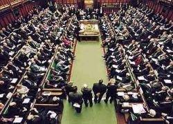 Британский парламент увольняет коррупционеров