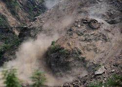 В Киргизии мощный сель затопил десятки домов