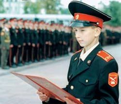В Суворовские училища начнут набирать девочек