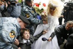 Секс с мужчиной геем в россии за материальальную поддержку