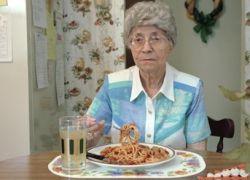 Пожилые люди с плохим аппетитом умирают раньше
