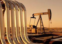 Нефть может ослабить доллар до 26 рублей