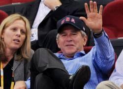 Американцы снова полюбили Джорджа Буша