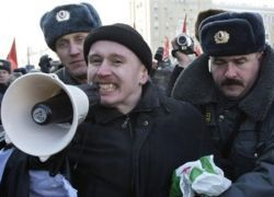 Россию захлестнули акции протеста против Путина