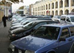 Чиновники объявили войну парковкам на остановках