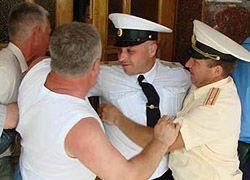 Военные ЧФ и обманутые пайщики подрались