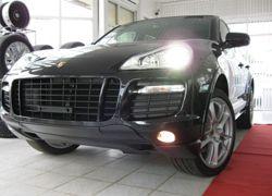 Рядовой инспектор ГИБДД подарил подруге Porsche Cayenne