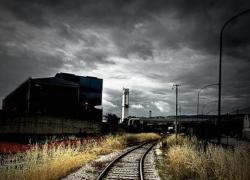 Промышленность упала ниже обещанного чиновниками дна