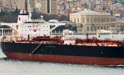 У побережья Вьетнама утонул танкер с 1800 тоннами нефти