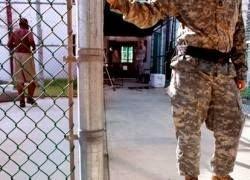 """США \""""распродают\"""" в Европе узников Гуантанамо"""