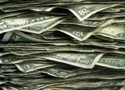 Охранник ТЦ нашел мешок денег и вернул его хозяину